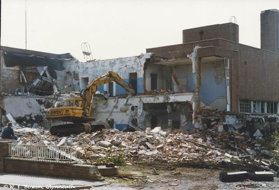 demolition-of-cwmgwrach-pitted-baths-1