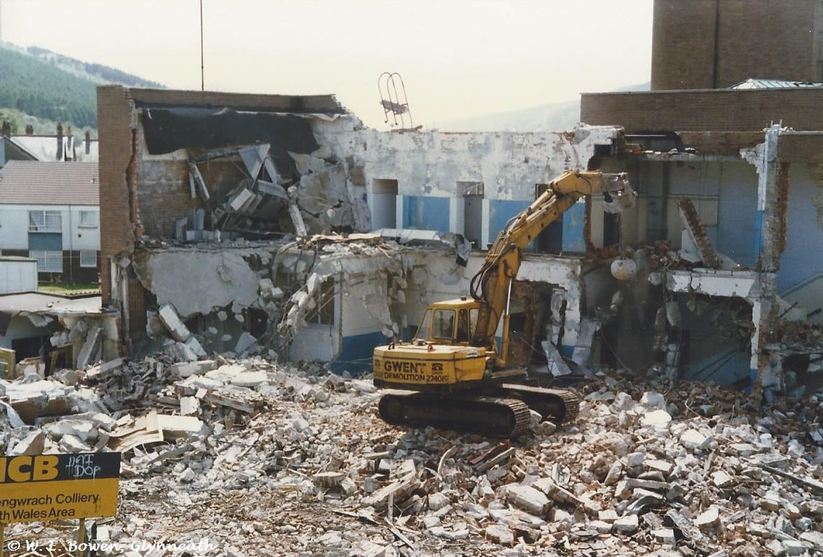 demolition-of-cwmgwrach-pitted-baths-3