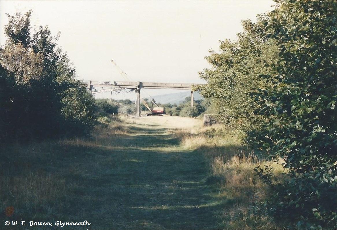 demolition-of-white-bridge-from-aberpergwym-collery-to-aberpergwym-screens-4